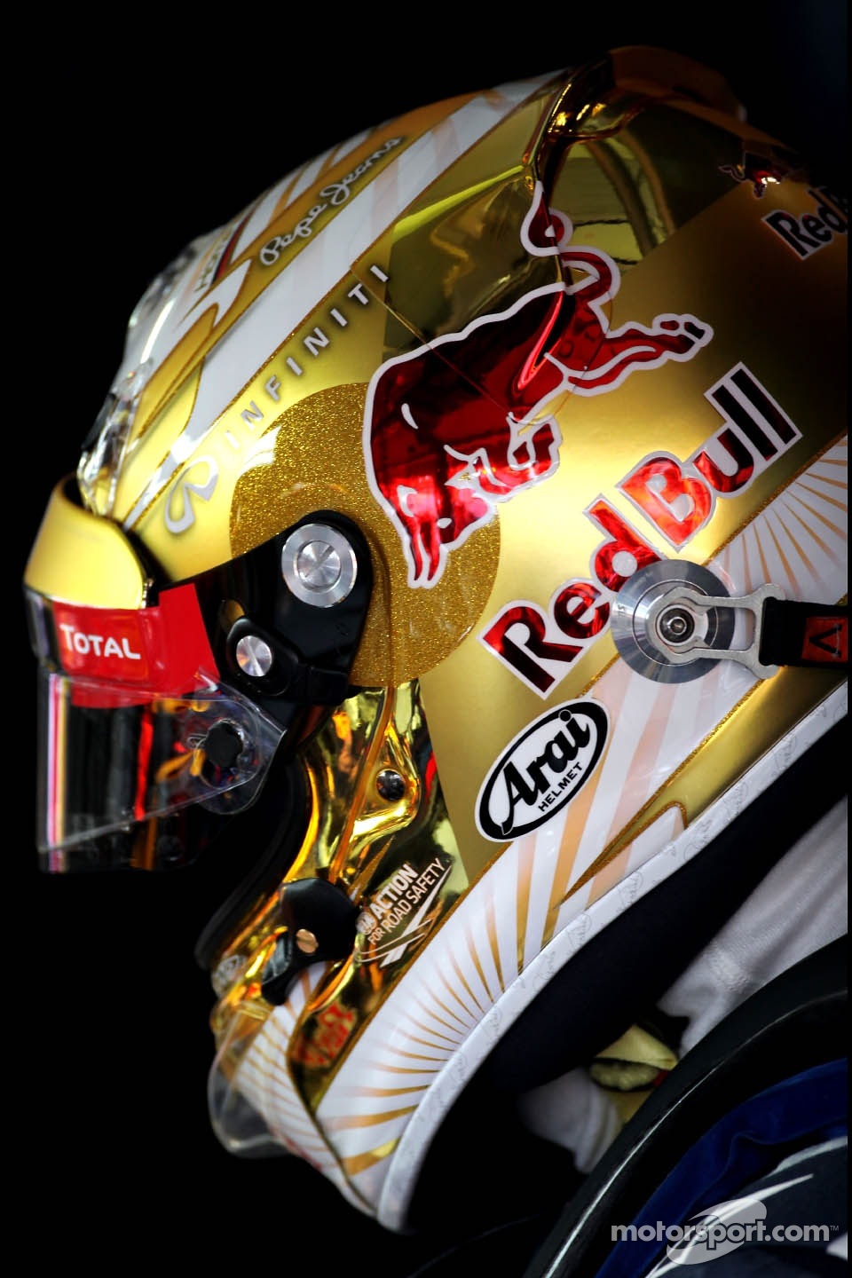 Sebastian Vettel, Red Bull Racing, new helmet