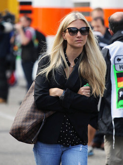Charlotte Evans, girlfriend of Bruno Senna, Williams