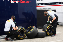 Pirelli tyres and engineers