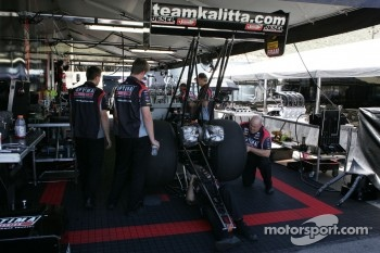 Team Kalitta prepare Doug Kalitta's Top Fuel Dragster