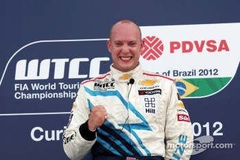 Podium: winner Robert Huff, Chevrolet Cruze 1.6T, Chevrolet