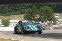 #29 1972 Porsche 911s: Roger Johnson