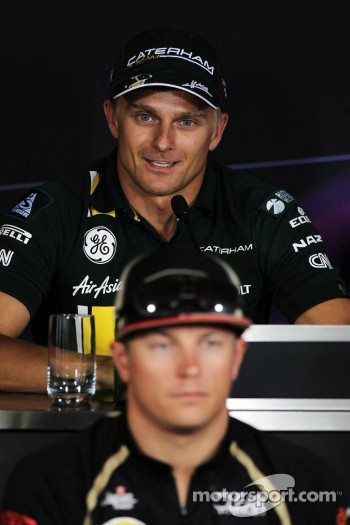 Heikki Kovalainen, Caterham and Kimi Raikkonen, Lotus F1 Team in the FIA Press Conference