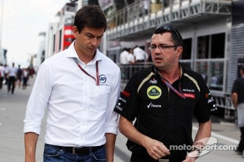 Toto Wolff, Williams Non Executive Director with Eric Boullier, Lotus F1 Team Principal