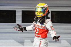 Race winner Lewis Hamilton, McLaren celebrates in parc ferme