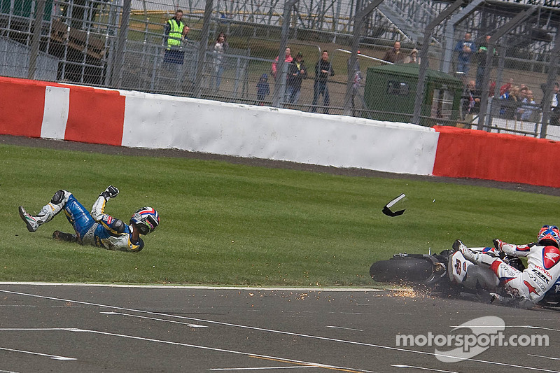 Michel Fabrizio wins as Ayrton Badovini and Jonathan Rea crash on last lap