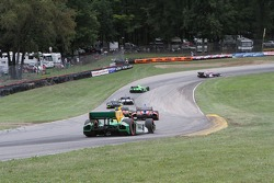 Race action from corners 6 and 7