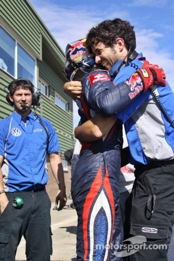 Carlos Sainz Jr. and Jose Manuel…