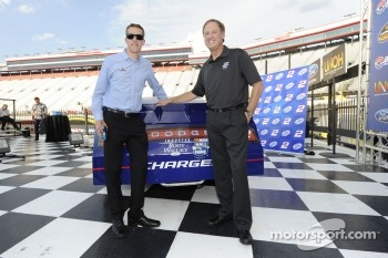 Brad Keselowski will run a throwback paint-scheme to honor Rusty Wallace in Saturday's race