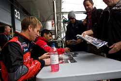 Karun Chandhok and Peter Dumbreck