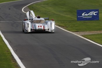 #1 Audi Sport Team Joest Audi R18 e-tron quattro: Andre Lotterer, Benoit Trluyer, Marcel Fssler