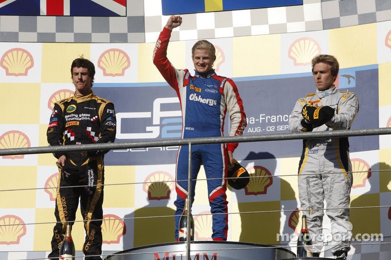 Podium: race winner Marcus Ericsson, second place James Calado, third place Davide Valsecchi