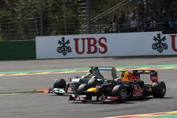 Mark Webber, Red Bull Racing and Nico Rosberg, Mercedes AMG Petronas