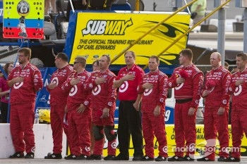 The Chip Ganassi crew during pre-race