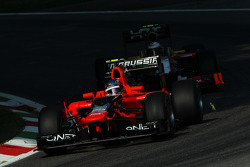 Charles Pic, Marussia F1 Team leads Ma Qing Hua, Hispania Racing F1 Team