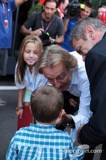 Luca di Montezemolo, Ferrari President with his family