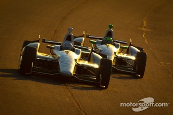 Ed Carpenter, Ed Carpenter Racing Chevrolet and Tony Kanaan, KV Racing Technology Chevrolet
