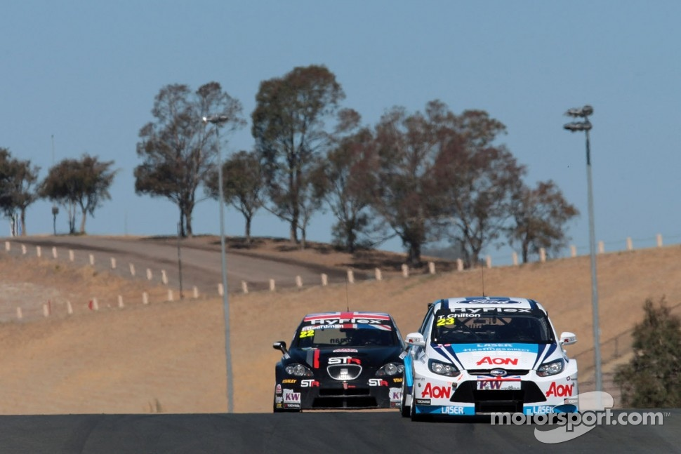http://cdn-1.motorsport.com/static/img/mgl/1400000/1460000/1463000/1463800/1463871/s1_1.jpg