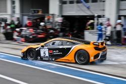 #5 Boutsen Ginion Racing McLaren MP4-12C GT3: Nico Verdonck, Seiji Ara, Marino Franchitti
