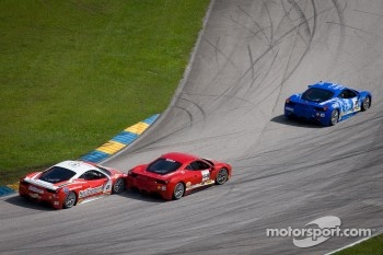 Start: #68 Ferrari of San Francisco 458CS: Mike Hedlund and #8 Ferrari of Ft Lauderdale 458TP battle
