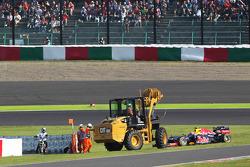 Mark Webber, Red Bull Racing rejoins the race