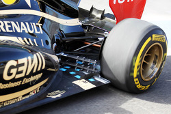 Kimi Raikkonen, Lotus F1 exhaust and rear suspension detail