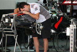 McLaren MP4/27 is built in the pits