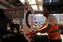 Sahara Force India F1 VJM05 prepared in the pits