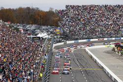 Start: Jimmie Johnson, Hendrick Motorsports Chevrolet
