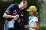 Franz Tost, Scuderia Toro Rosso Team Principal signs autographs for the fans