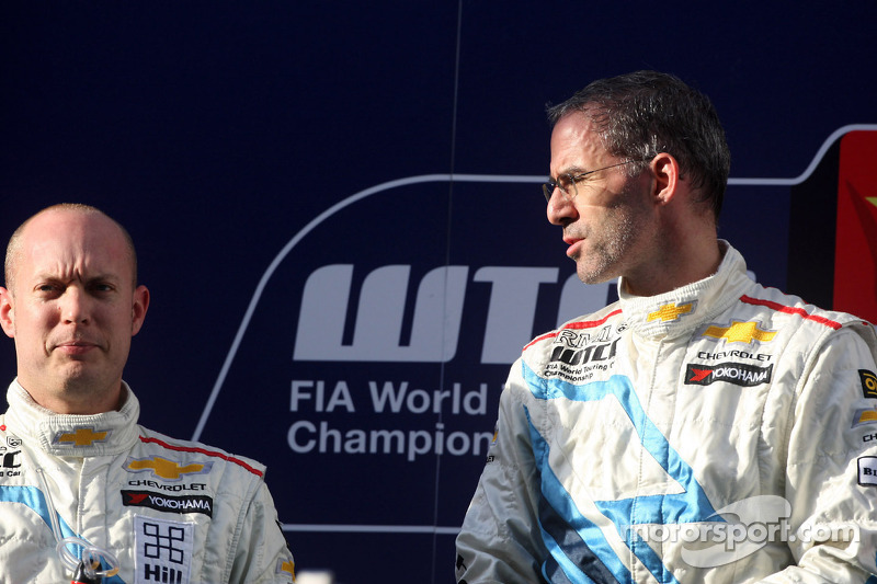 2nd position Robert Huff, Chevrolet Cruze 1.6T and Chevrolet, Alain Menu, Chevrolet Cruze 1.6T, Chevrolet race winner