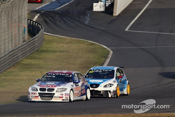 Charles Ng, BMW 320 TC, Liqui Moly Team Engstler and Fernando Monje, SEAT Leon WTCC, SUNRED Engineering
