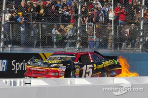 Trouble for Clint Bowyer, Michael Waltrip Racing Toyota