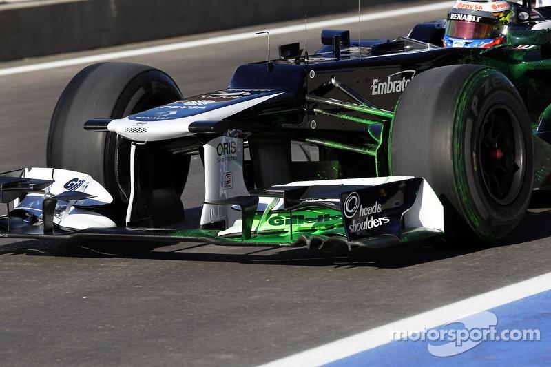 Pastor Maldonado, Williams running flow-vis paint