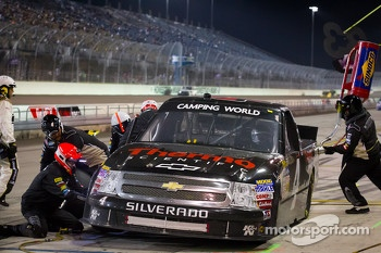 Pit stop for Kyle Larson, Earnhardt Ganassi Racing Chevrolet