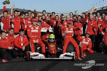 Felipe Massa, Scuderia Ferrari with team members