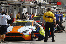#140 Gulf Racing Middle East Aston Martin Vantage V8: John Iossifidis, Martin Baerschmidt, Nigel Farmer, Robert Partouche