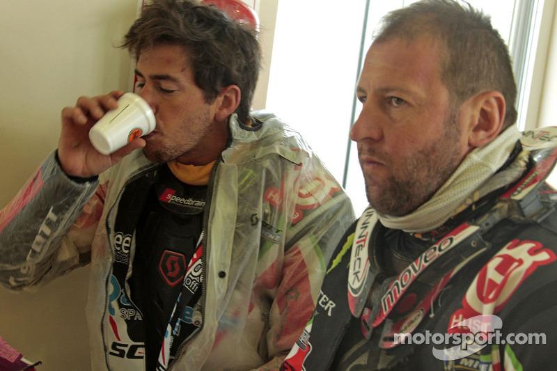 Alessandro Botturi, Paulo Goncalves, Joan Barreda and Matt Fish have breakfast