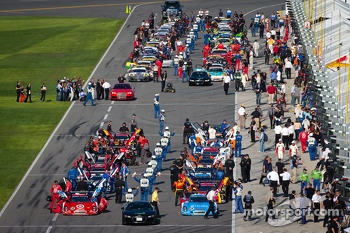 Starting grid ready for the race