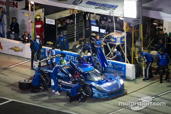 Pit stop for #90 Spirit Of Daytona Corvette DP: Antonio Garcia, Richard Westbrook, Oliver Gavin, Ricky Taylor