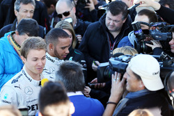 Nico Rosberg, Mercedes AMG F1 and team mate Lewis Hamilton, Mercedes AMG F1 with the media