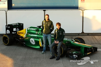 Giedo van der Garde, Caterham F1 Team and team mate Charles Pic, Caterham unveil the new Caterham CT03
