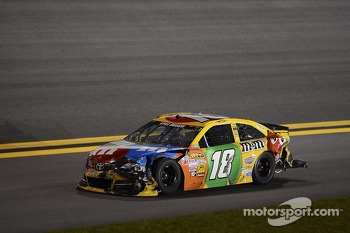 Kyle Busch, Joe Gibbs Racing Toyota limps back to the pits