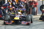 Sebastian Vettel, Red Bull Racing RB9 practices pit stops