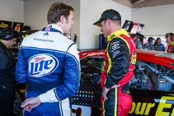 Brad Keselowski, Penske Racing Ford and Clint Bowyer, Michael Waltrip Racing Toyota