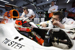 Jules Bianchi, Sahara Force India F1 Team VJM06 talks with Bradley Joyce, Sahara Force India F1 Race Engineer