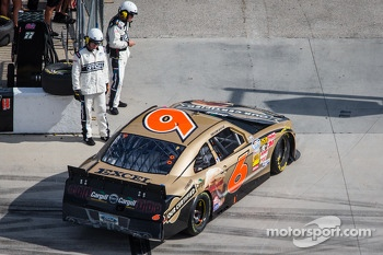 Trevor Bayne with motor issues