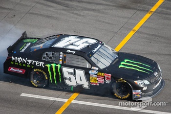 Kyle Busch with motor issue