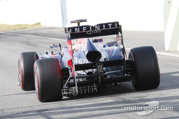 Sebastian Vettel, Red Bull Racing RB9 rear diffuser and rear wing running sensor equipment