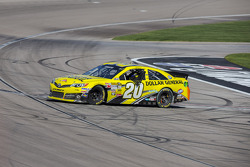 Race winner Matt Kenseth, Joe Gibbs Racing Toyota celebrates